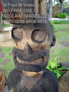 Tiki Man Statue Photo