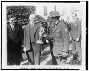 Free Picture of President Coolidge Accepting Boy Scout Statue.