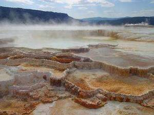 Free Picture of Mammoth Hot Springs at Yellowstone Park