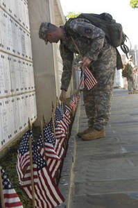 Free Picture of Army Sgt. at Arlington National Cemetery