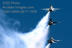 Free Public Domain Picture: U.S. Air Force Thunderbirds Flying In Formation