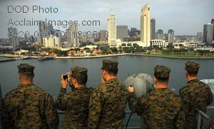 Free Public Domain Picture: U.S. Marines Observing San Diego From the USS Tarawa Ship Deck