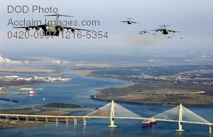 Free Public Domain Picture: Fifteen C-17 Globemaster III Planes Flying Over the City of Charleston SC Photo