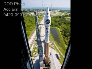 Free Public Domain Picture: Atlas V Rocket on Launch Pad Photo