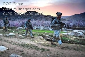 Free Public Domain Picture: Soldiers Patrolling Near Zbul, Afghanistan Photo