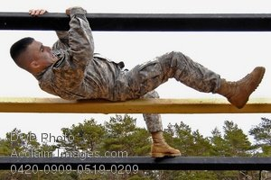 Free Public Domain Picture: Soldier Negotiating Obstacle Course Photo